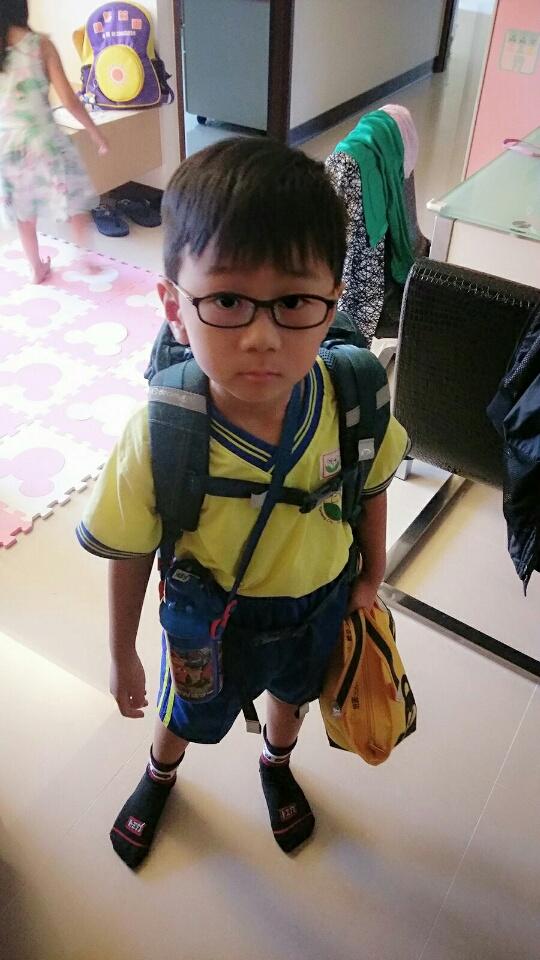 今天是2016年8月29日,紹軒清水小一開學啦!