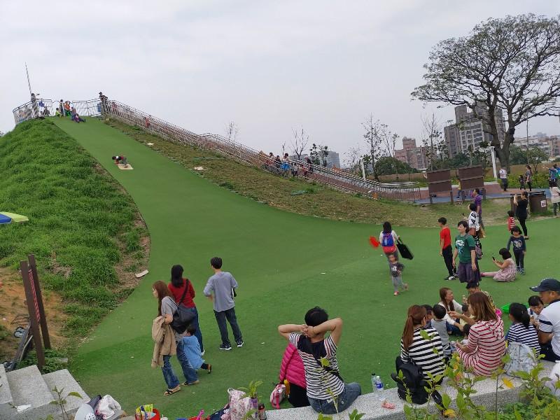 超好玩的中和員山公園