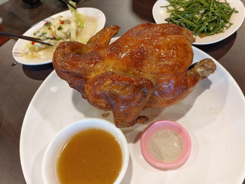 吃雞!萬里古早風味甕之雞