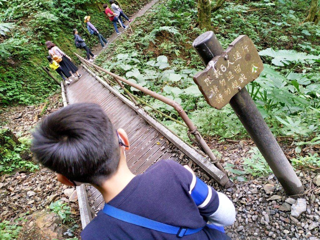 大年初一拜拜完爬山去 礁溪林美石磐步道