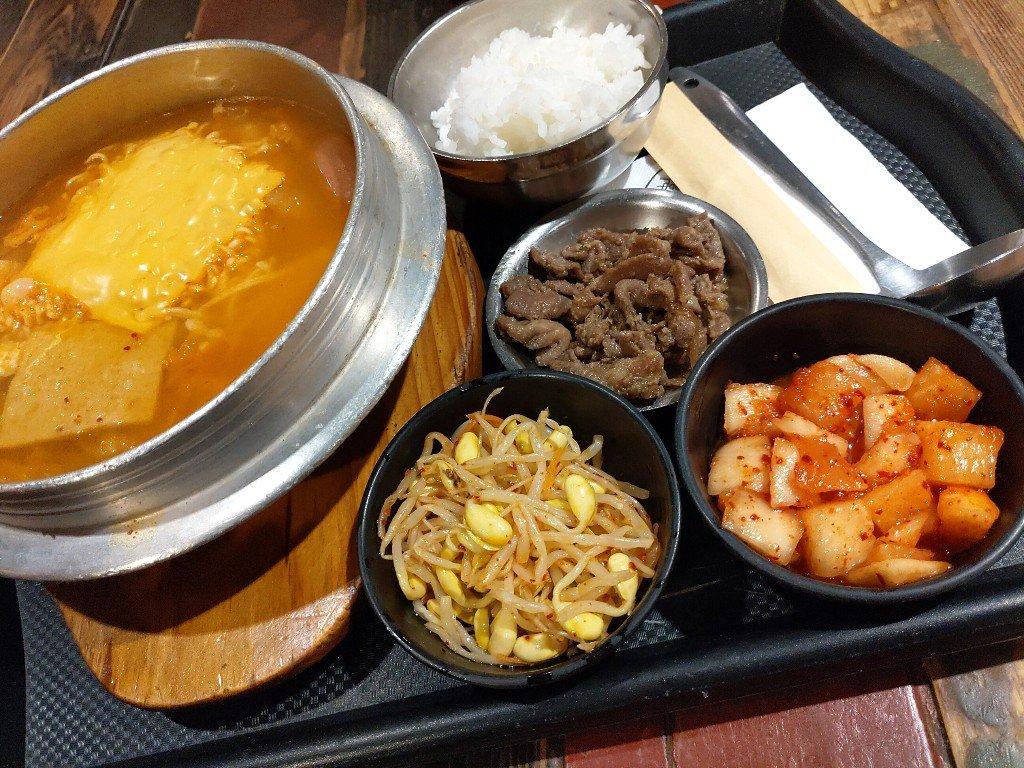 板橋大遠百大食代美食街韓本家韓式料理