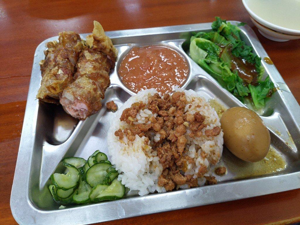 就算在海角也要來的台北圓環龍緣魯肉飯