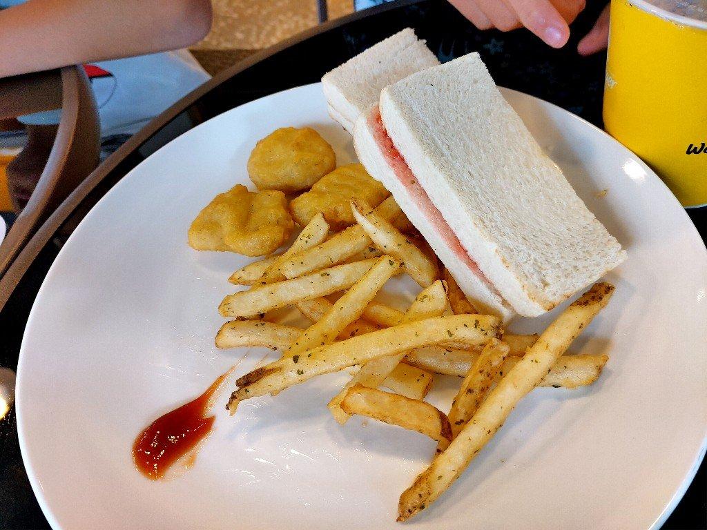 Q Burger 早餐土城延吉店開幕