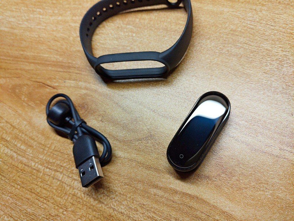 忍不住又把小米手環5帶回家了 磁吸充電好方便