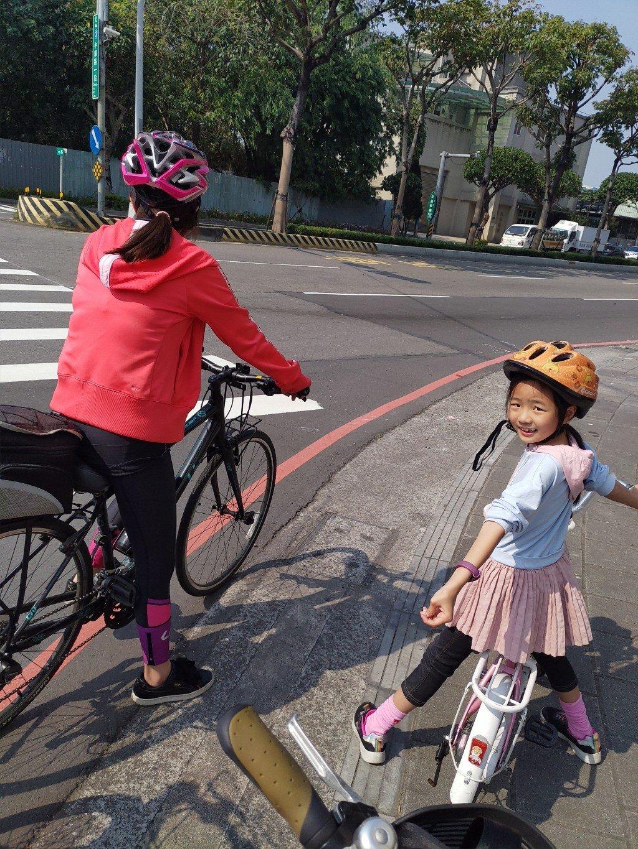 天氣正好又來騎腳踏車啦!土城>板橋435藝文特區
