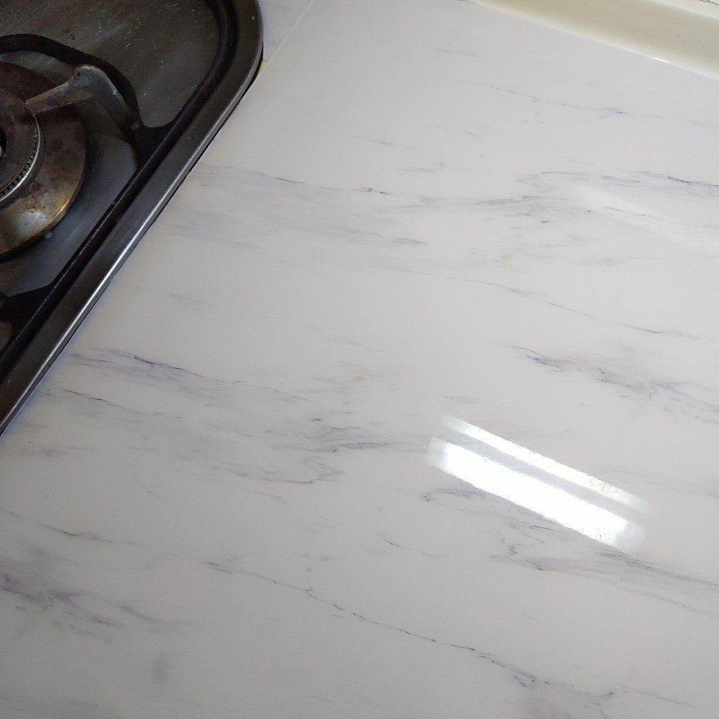 廚房改造!LED感應燈、多孔插座、無痕置物架、桌墊